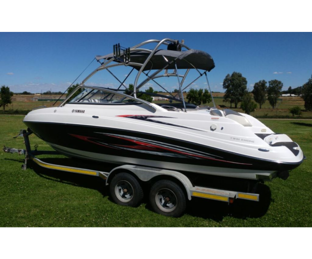 Showroomproductdetail for Yamaha ar230 boat cover