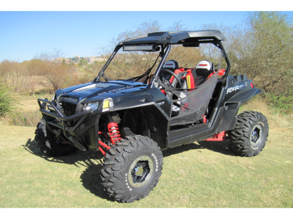 Polaris RZR 900 EFI Black edition.